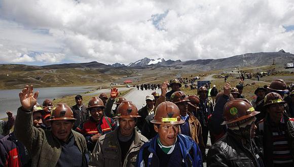Bolivia: Choques entre policías y mineros dejan un muerto