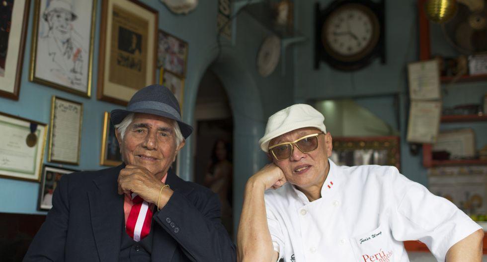 Dos maestros cebicheros juntos: Pedro Solari y Javier Wong en Junio de 2014. (Foto: Richard Hirano)