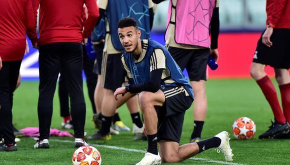 El jugador del Ajax Noussair Mazraoui aseguró que ayunará durante el Ramadán, es decir el miércoles no comerá nada durante el día antes del partido ante el Tottenham. (Foto: Reuters)