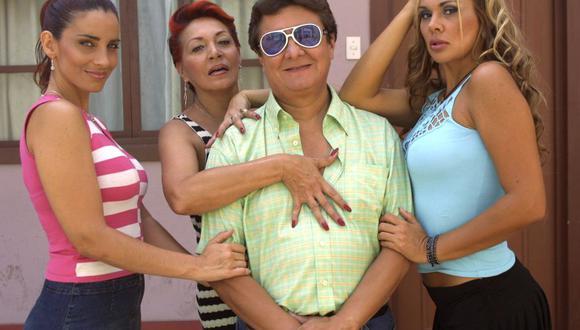 En el caso de la figura masculina, personajes como Renato Reyes (foto superior), interpretado por Adolfo Chuiman para la serie 1,000 oficios, en el 2001, proyectan la imagen de un hombre exitoso también por tener mujeres a su alrededor.