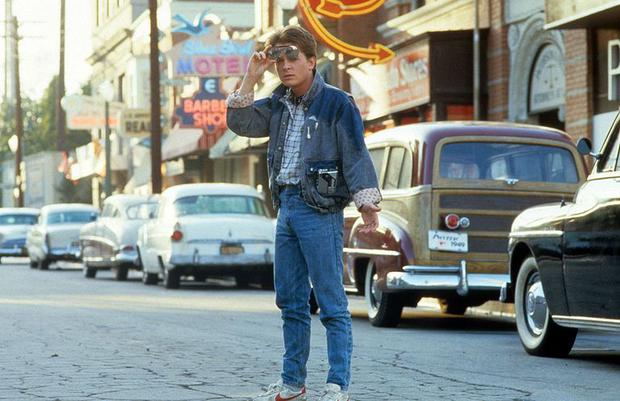 """Michael J. Fox, the officer Marty McFly, in a scene from """"Return to the future"""".  Photo: Universal Studios"""