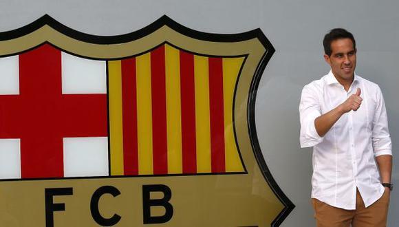 Claudio Bravo llegó a Barcelona y mañana será presentado