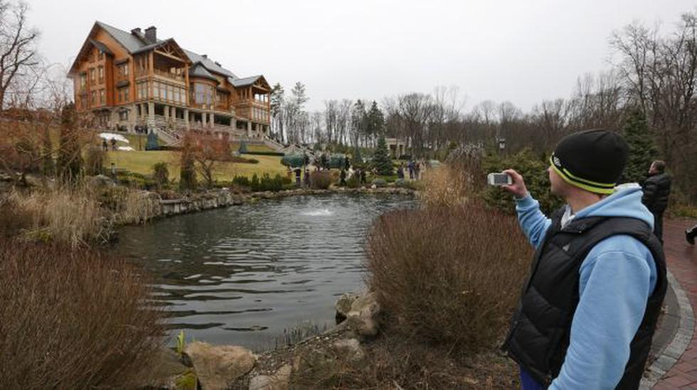 Yanukovich derrochaba millones en volver más lujosa su mansión - 1