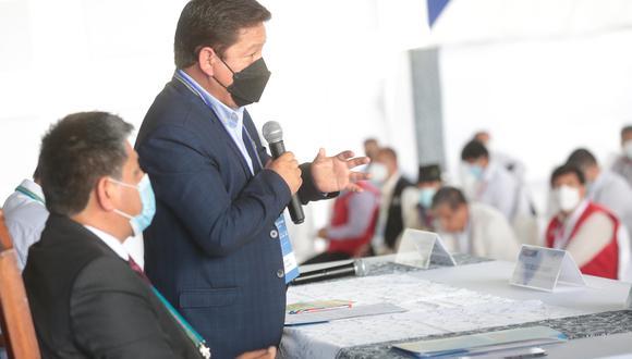 Bellido afirmó que el gobierno descentralizará los recursos que invierte, como publicidad del Estado, en los medios de comunicación.  (Foto: PCM)
