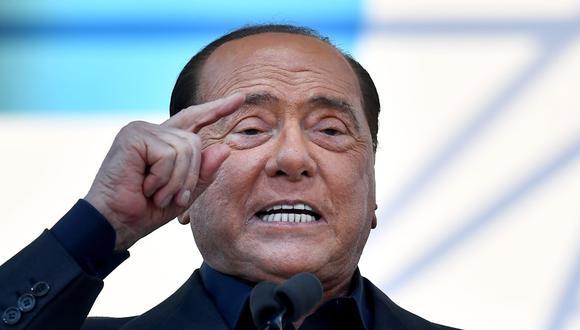 En esta foto de archivo tomada el 19 de octubre de 2019, el líder del partido Forza Italia, Silvio Berlusconi habla durante una manifestación en Roma. (AFP / Tiziana FABI).