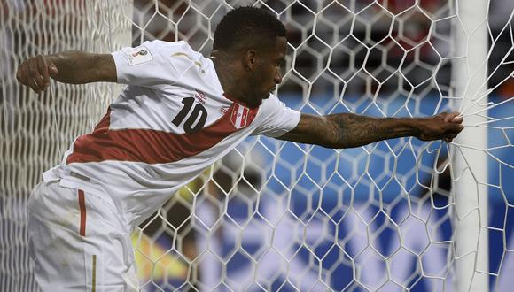 """Farfán señaló que por una cuestión """"de suerte"""" no pudieron encajar goles en el arco danés. (Foto: AP)"""