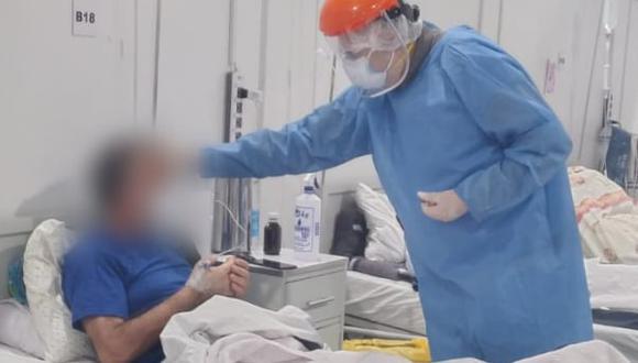 Además, brindó a los pacientes el sacramento de la Unción de los Enfermos. (Foto: hospital Regional de Ica)