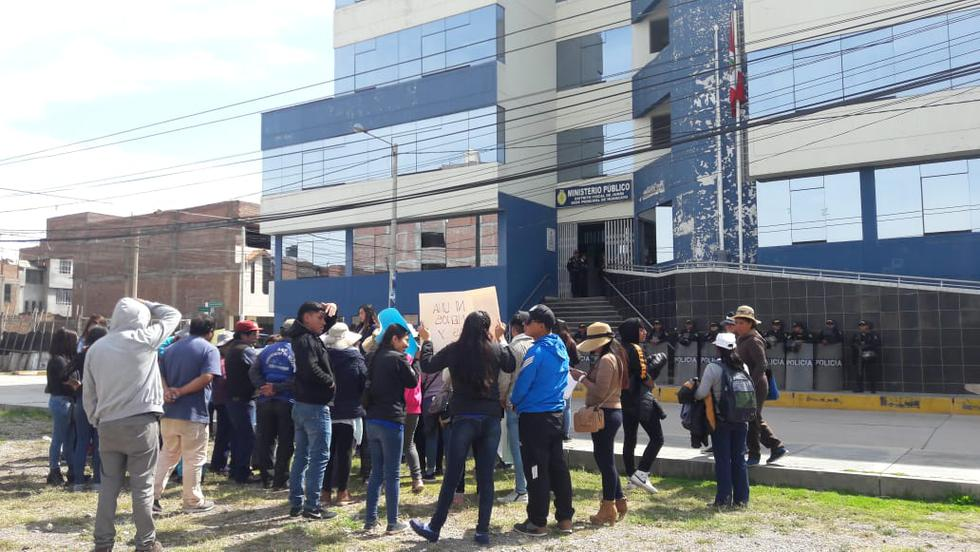 Junín: realizan marcha en Huancayo por enfermera victima de feminicidio