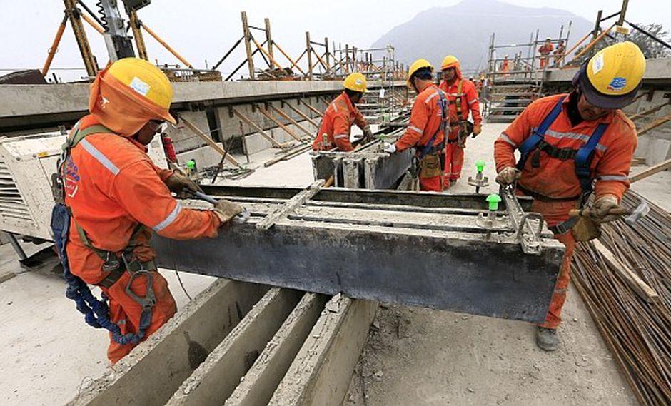 La actividad constructora se expandió 7,92% en febrero y encadenó nueve meses de crecimiento continuo, según cifras del INEI. (Foto: El Comercio)