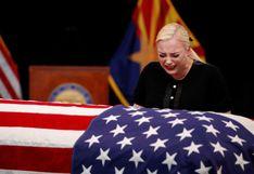 El dolor de Meghan McCain en el funeral de su padre en Arizona | FOTOS