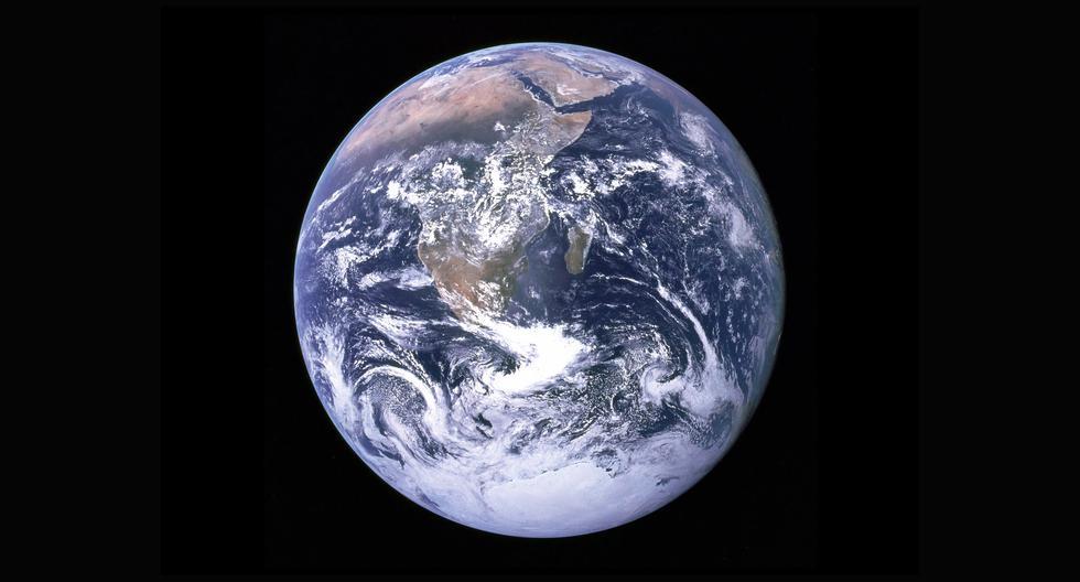 La vida en la Tierra está adaptada a las dimensiones y composición particulares de este planeta; una variación minúscula en solo alguna de sus muchas características lo haría inhabitable para nosotros y la mayoría de las especies con quienes lo compartimos. (NASA)