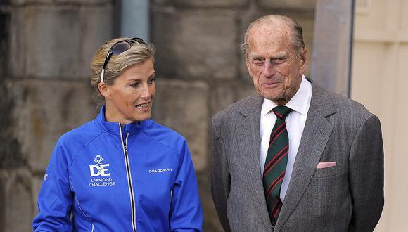 Sofía de Wessex y Felipe de Edimburgo. (Foto: AFP)