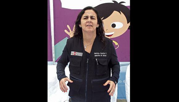 La ministra de Salud viajó a Piura para iniciar una campaña de fumigación debido a las inundaciones. (Foto: Ministerio de Salud)