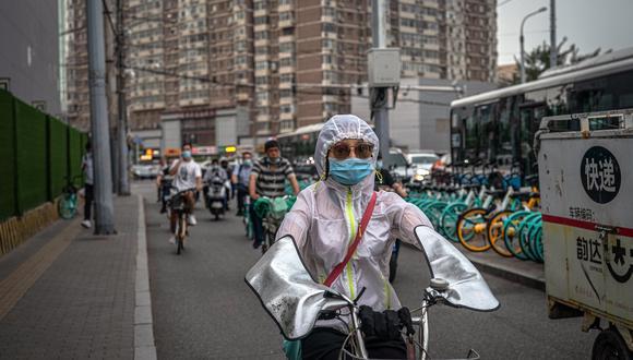 Beijing vive un rebrote del COVID-19. Según Kahhat, una de las lecciones de la pandemia es diversificar las cadenas de suministros internacionales. (EFE)