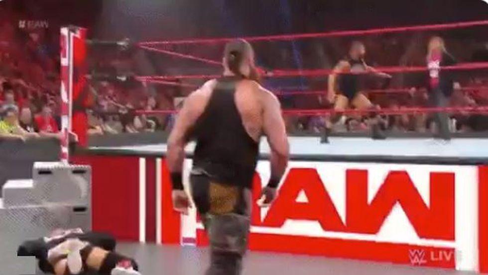 Braun Strowman en escena. (Foto: Twitter)