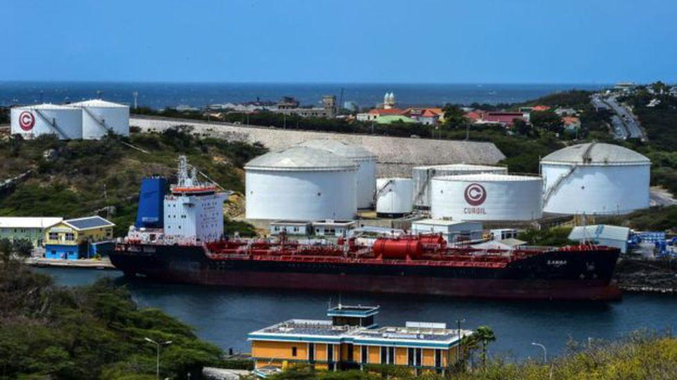 El sector petrolero ha sido especialmente afectado por las sanciones de EE.UU. (Foto: Luis Acosta vía BBC Mundo)