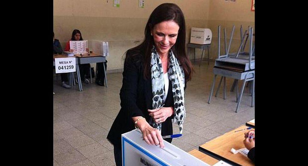 Madeleine Osterling votó en el colegio que propuso cerrar