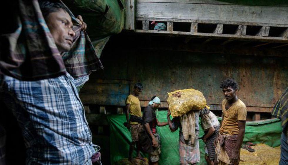 El distrito bangladesí de Cox's Bazar ahora alberga alrededor de un millón de rohingyas de Myanmar, la gran mayoría de los cuales huyeron de su país hace un año. (Foto: AFP)