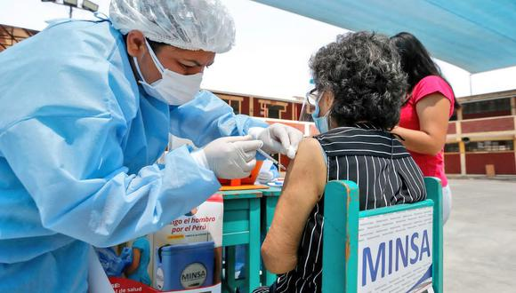 Las compañías de seguro y algunas clínicas han enviado sus padrones para que el Ministerio de Salud haga una depuración de afiliados que cuentan con cobertura en EsSalud u otros seguros. (Foto: Minsa)