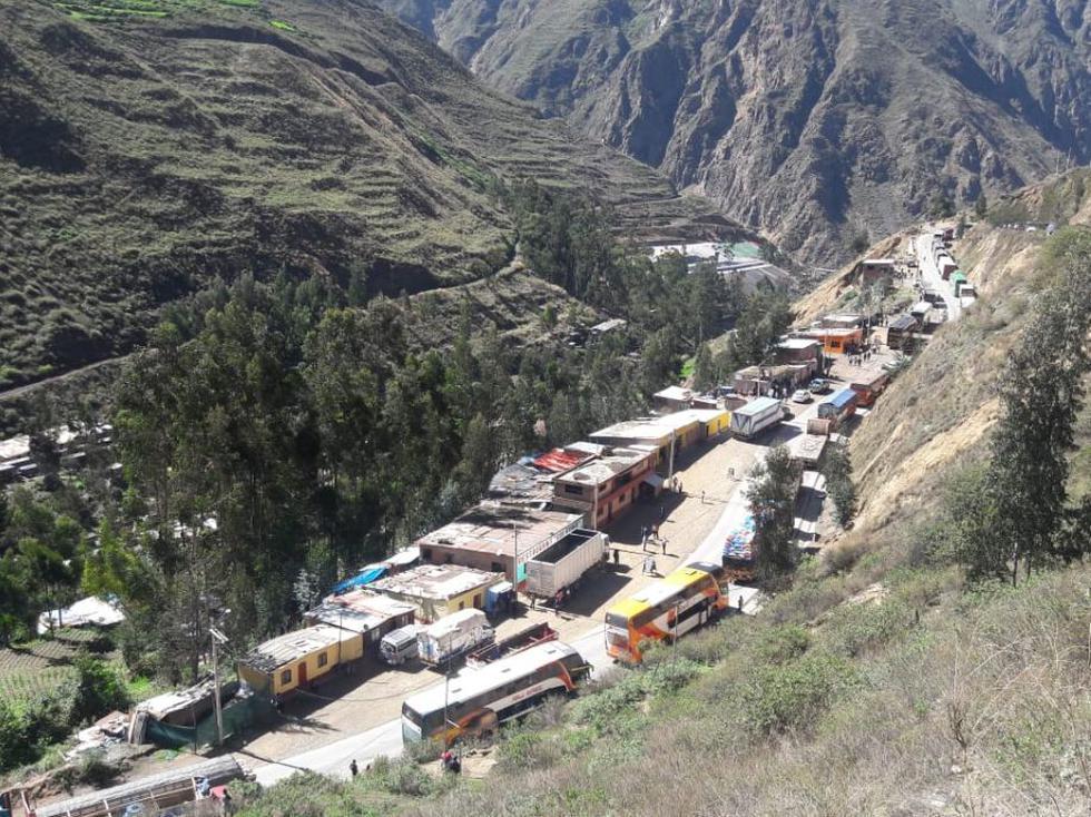 Gran congestión vehicular se ha generado en la Carretera Central, zona de Casapalca a la altura de San Mateo, en la provincia de Huarochirí (Lima). (Foto: Lino Chipana)