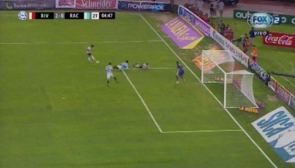 River Plate vs. Racing EN VIVO: 'Millo' anotó 2-0 gracias a disparo de Casco desviado en Donatti | VIDEO. (Foto: Captura de pantalla)