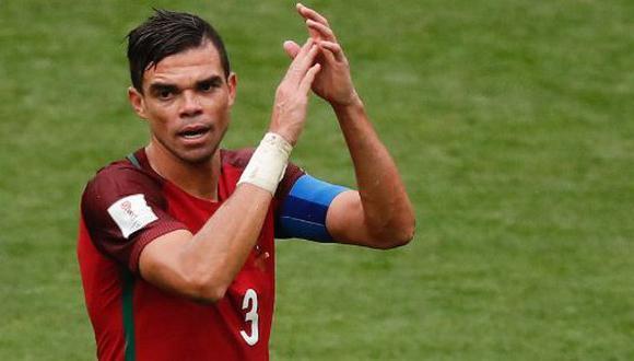 Pepe demostró sus grandes habilidades con la pelota en los entrenamientos de Portugal. La gran acción del recio defensor central se viralizó a través de Youtube. (Foto: AFP)