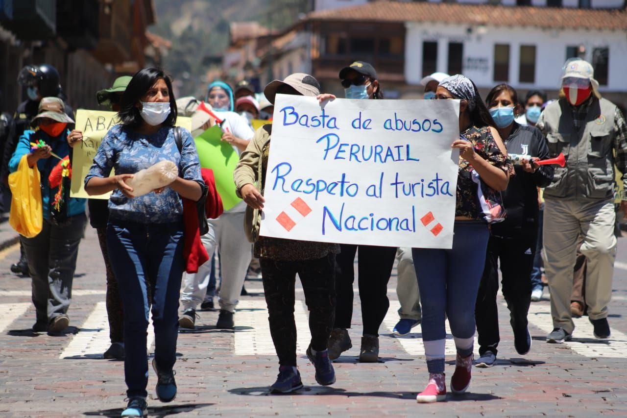 Los protestantes exigieron a los operadores sincerar los costos de los boletos. (Foto: Melissa Valdivia)