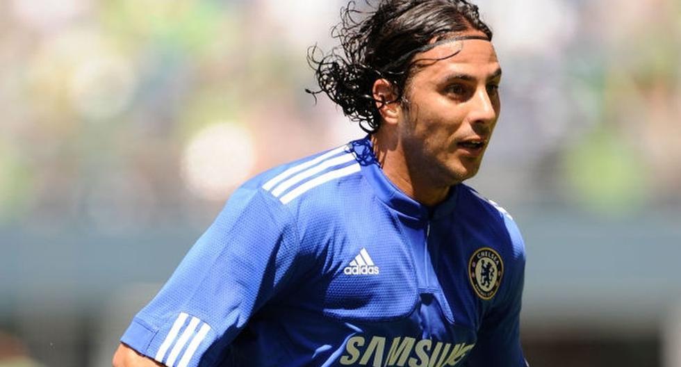 Pizarro no logró mostrar en Inglaterra el fútbol y los goles con los que brilló en Alemania (Foto: AP)