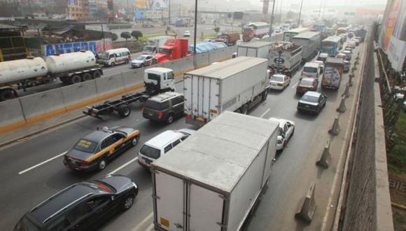 Peatones siguen incómodos por obras en la avenida 9 de octubre