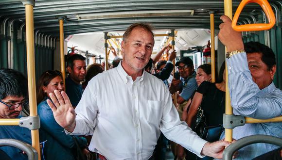 Jorge Muñoz inició su gestión con 60% de aprobación. Hoy tiene el 58% del respaldo de los limeños (Foto: Hugo Pérez).