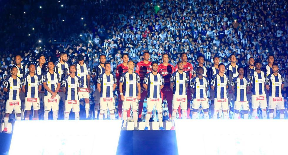 Este es el plantel de Alianza Lima que fue presentado a inicios de año en la 'Noche Blanquiazul'. (Foto: Club Alianza Lima)