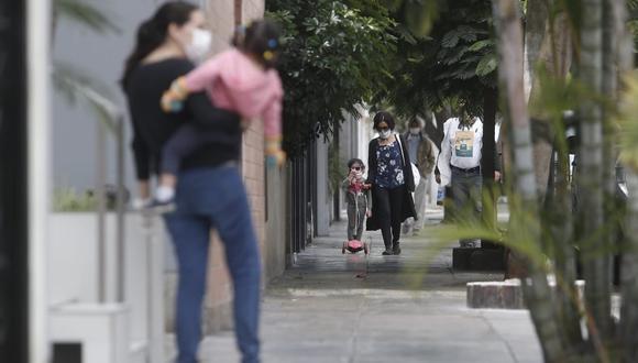 Con los paseos permitidos de los niños se incrementarán los casos de infecciones respiratorias habituales durante esta inicio de estación. (Foto: César Campos/ GEC)