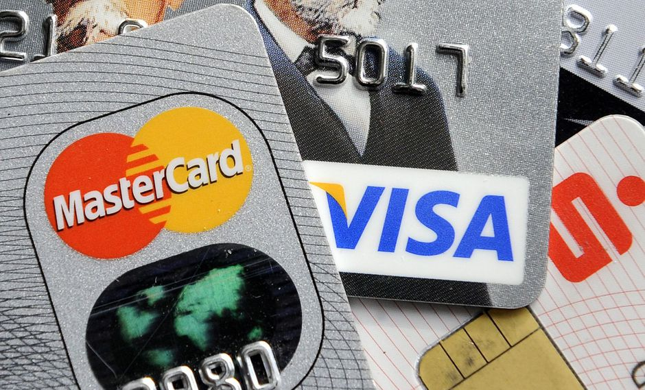 Estados Unidos considera sanciones que restrinjan a Visa y Mastercard en Venezuela. (AP).