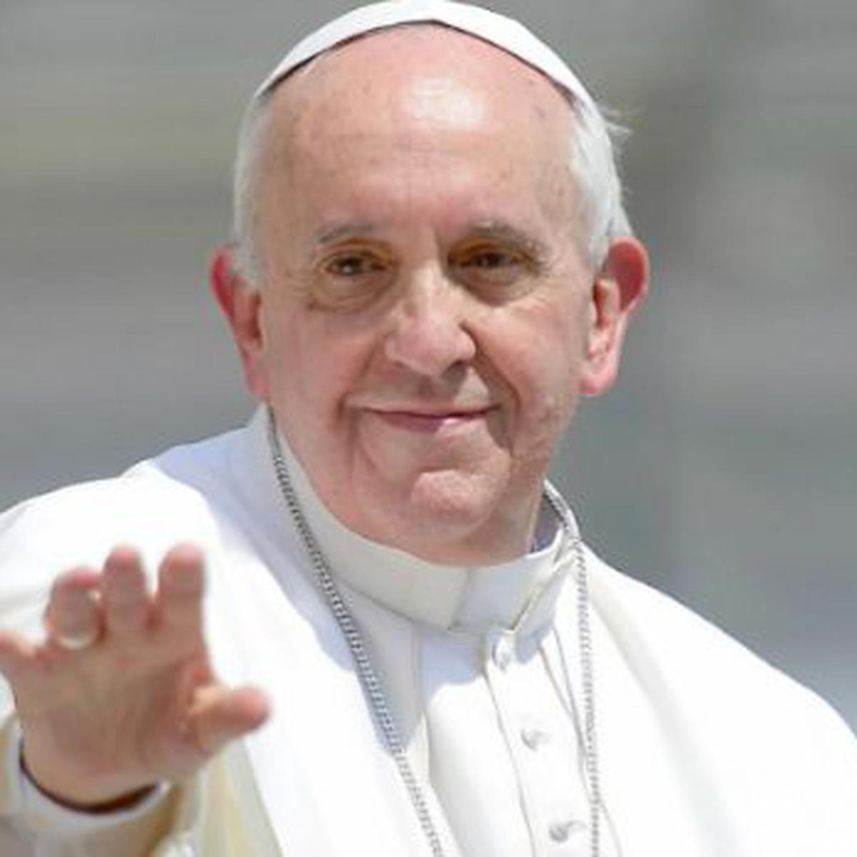 Qué Significa El ángel De La Paz Que Regala Francisco Mundo El Comercio Perú