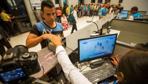 Migraciones: incorporan huella dactilar para control migratorio en frontera norte
