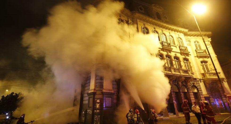 Incendio en plaza Dos de Mayo: así trabajaron los bomberos - 7