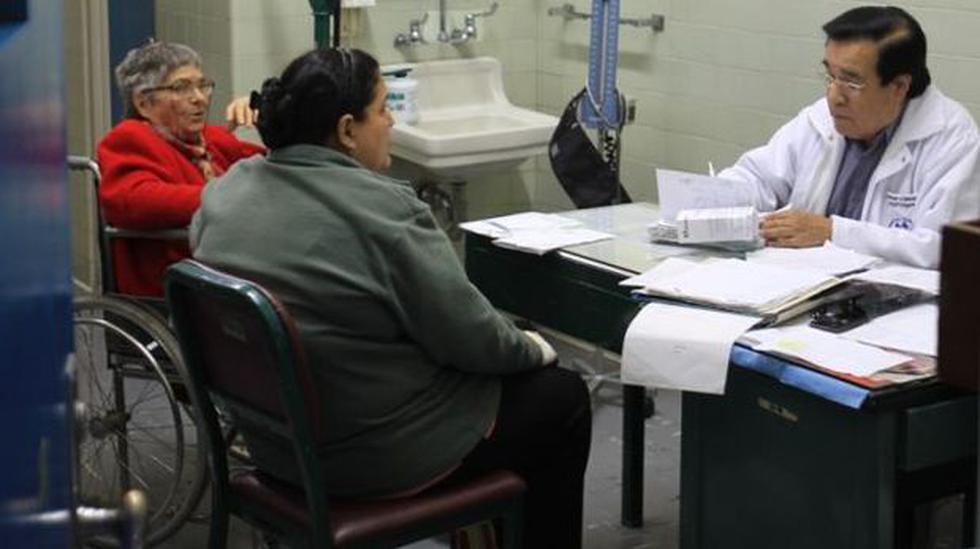 Minsa: al menos 100 médicos firman asistencia pero no trabajan - 1