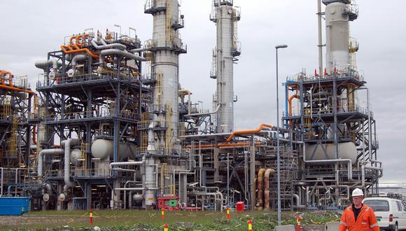 La demanda mundial de petróleo volverá a los niveles previos al virus para 2022. (Foto: AP)