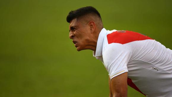 El dolor de Paolo Hurtado a segundos de acabar el Perú vs. Colombia. (Foto: Fernando Sangama - GEC)