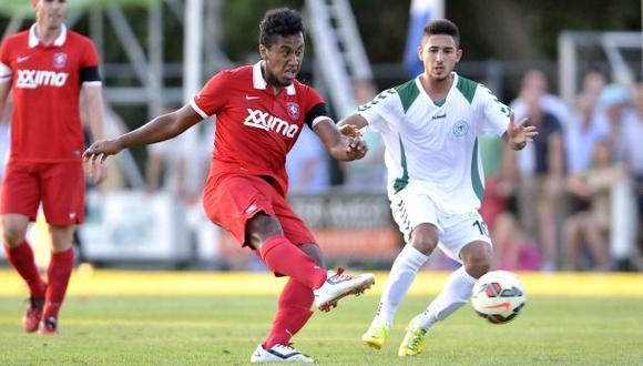 Renato Tapia debutó en el FC Twente de Holanda con empate