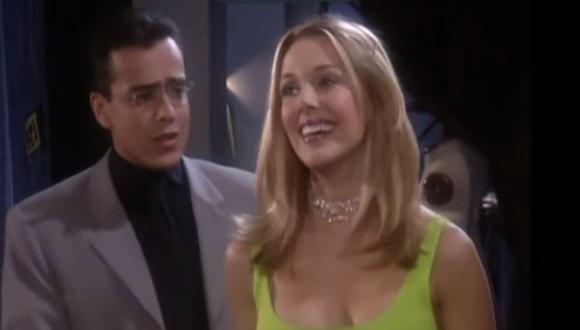 Claudia Elena Vásquez, la esposa de Carlos Vives, participó en la telenovela 'Betty, la fea' y en una escena, Don Armando trató de conquistarla (Foto: RCN)