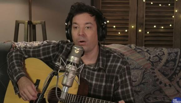 "Jimmy Fallon parodió el documental ""Folklore"" de Taylor Swift. (Foto: Captura de video)"