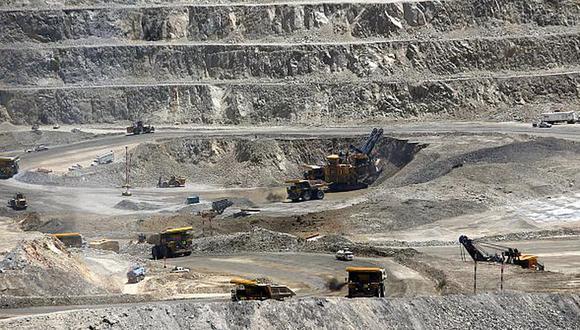 """Ossio manifestó además que Las Bambas ha declarado """"parcialmente"""" fuerza mayor con las empresas contratistas que le brindan todo tipo de servicios a la minera en Perú. (Foto: Reuters)"""