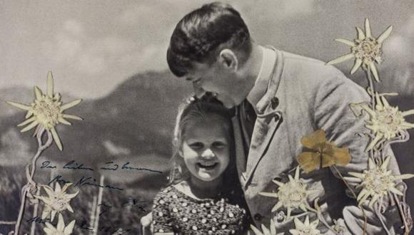 Una foto de Hitler con una niña judía, con quien compartía una amistad, fue subastada este martes por US$11.520.