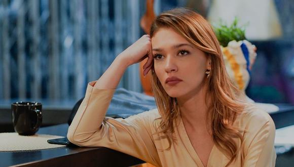 """En """"Love Is in the Air"""", Melisa Döngel es Ceren, miembro de un importante estudio de abogados y mejor amiga de Eda Yildiz, la protagonista de la historia (Foto: Melisa Döngel/Instagram)"""