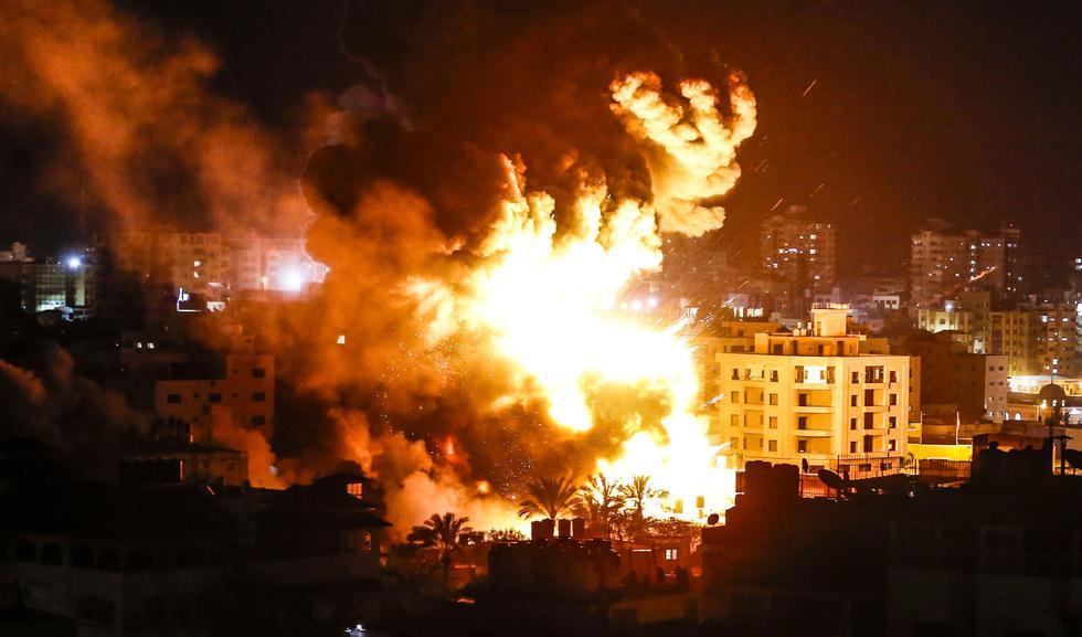 Israel bombardea objetivos de Hamas en la franja de Gaza en respuesta a cohete disparado sobre una casa de Mishmeret, en Tel Aviv. (AFP).