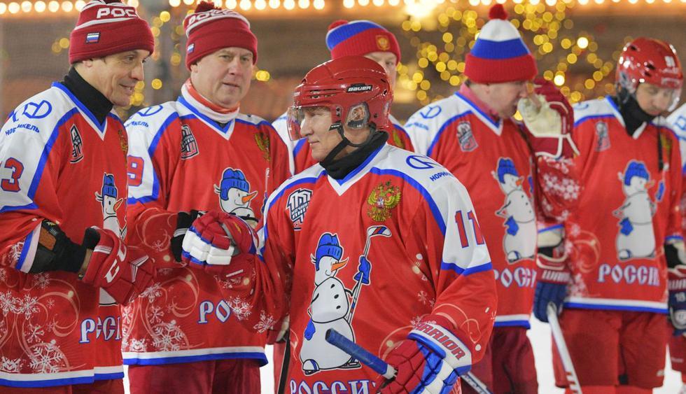 Fue un encuentro con al Liga de Hockey Nocturno. (Foto: EFE)