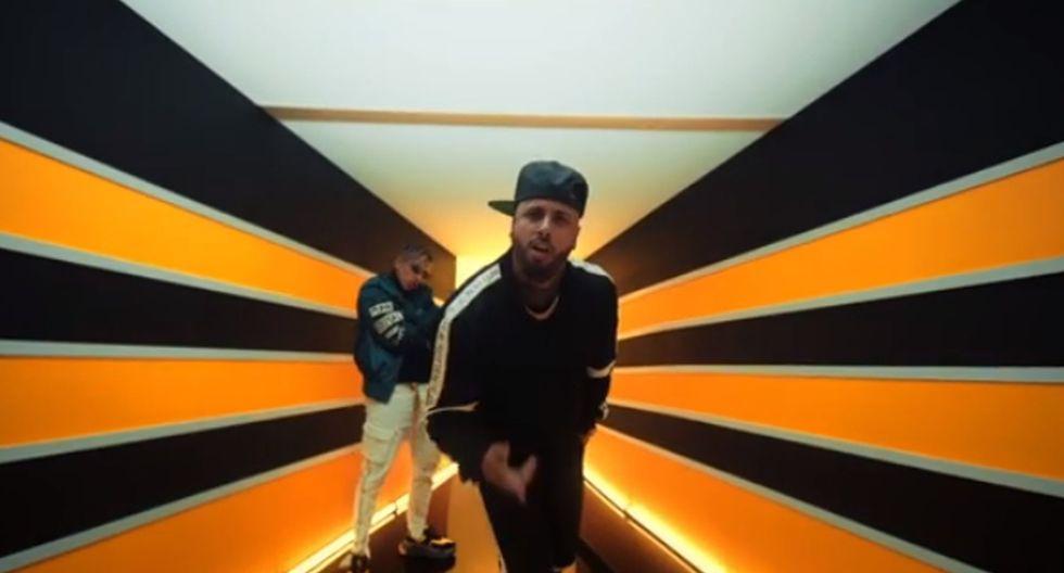 """Nicky Jam y Rauw Alejandro en el videoclip """"Que Le Dé"""". (Video: YouTube)"""