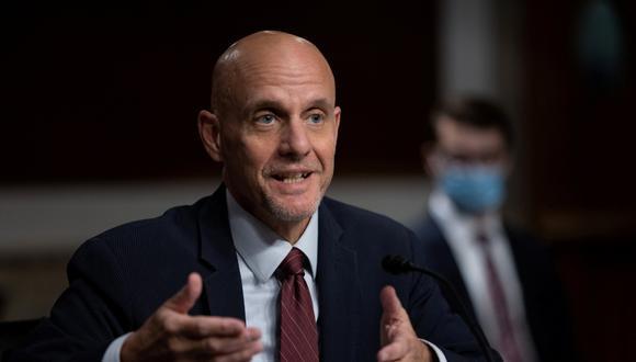 El comisionado de la FDA, Stephen Hahn, testifica en el Capitolio de Estados Unidos en Washington, el 23 de setiembre de 2020. (Graeme Jennings/Pool/REUTERS).