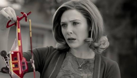 """Todos en """"WandaVision"""" es en blanco y negro, pero el helicóptero de juguete es de color rojo ¿Por qué? (Foto: Marvel/ Disney+)"""